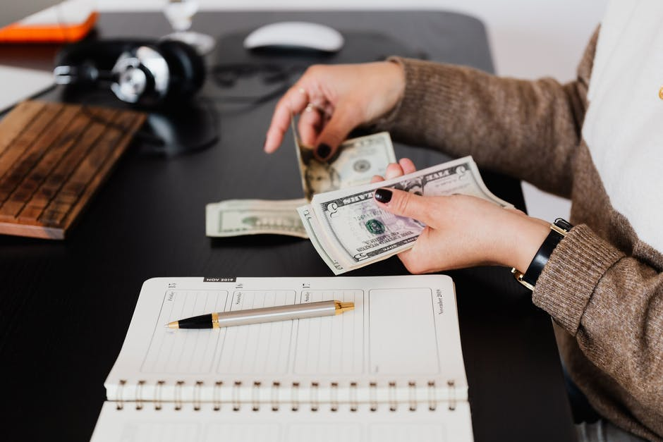 How to Choose the Right Payday Loan Provider?